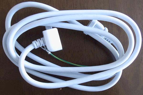 電源アダプターの延長コード