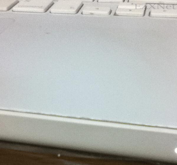 パームレストが割れてしまったMacbook 3
